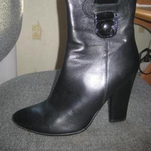 Продам ботинки из натуральной кожи черные