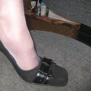 Продаю туфли замшевые