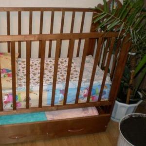 Продаем детскую кровать и матрас.